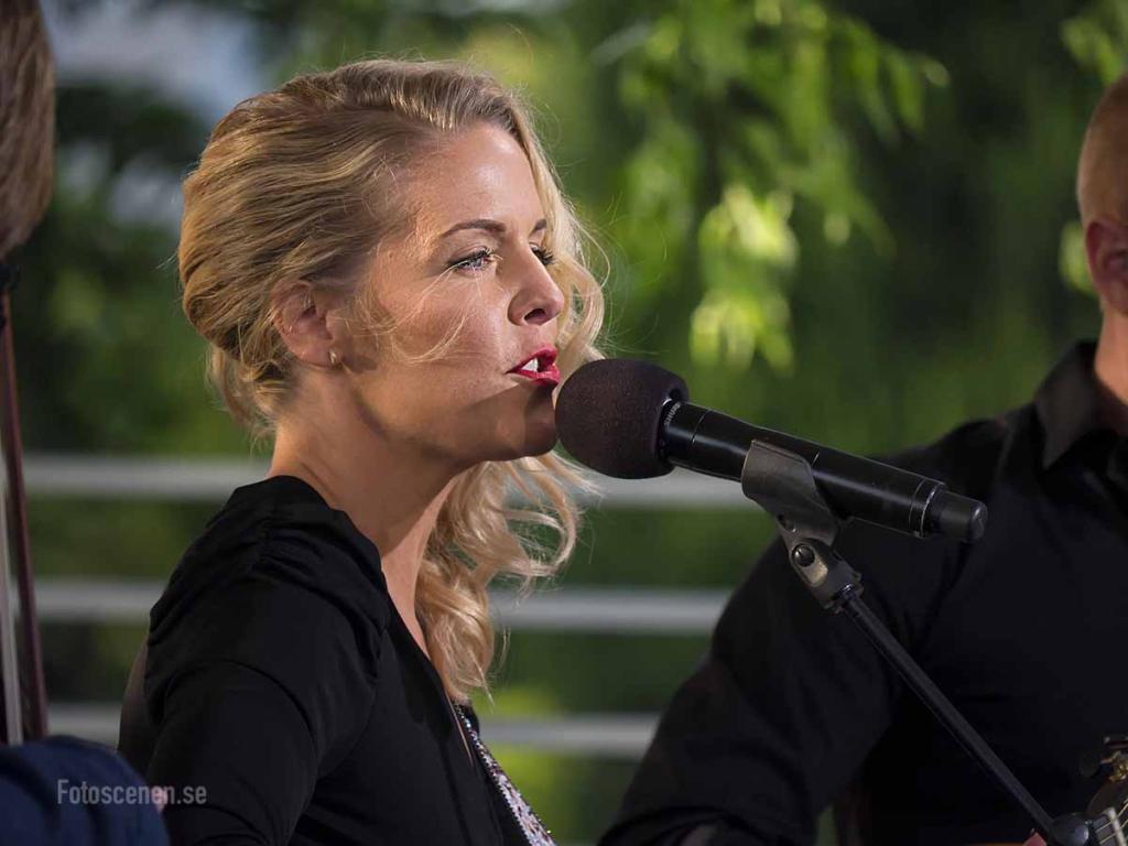 Sommarkväll 2015 15 Sofia Karlsson