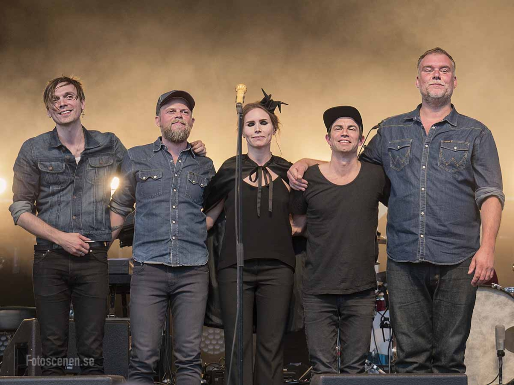 The Cardigans 2015 23