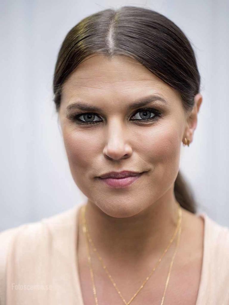 Kändisporträtt 2015 01 Mia Skäringer